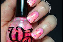 Nails / by Lindsey Maro