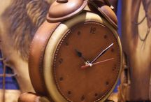 """Часы из кожи / Часы бывают разные.  Часы бывают всякие. И странно, но из кожи,  часы бывают то же!  """"Белый ясень"""" время от времени делает именно такие!"""