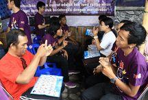 BISINDO / Bahasa Isyarat Indonesia (BISINDO) adalah bahasa isyarat yang sudah diakui komunitas tuli Indonesia. Menginginkan keberadaan BISINDO bisa diterima masyarakat.