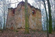 Urbex #02: Kaple Vavříneček / Destroyed chapel Vavrinecek. #czechrepublic #horice.