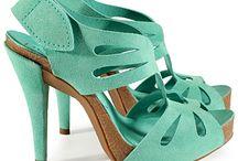 WALK THIS WAY: Women's Shoes