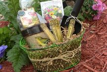 gift baskets / by Constance Ward