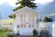 Gartenhaus / Die schönsten und individuellsten Gartenhäuser im romantischen Shabby-Look.