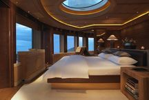 Flash boats. / Ships you can sleep on with a shower and a wet bar