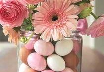 Flores decoradas con huecos de pascua