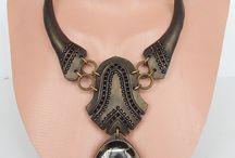 kožené náhrdelníky