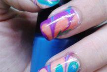 Marbled nail art