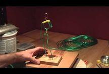 Paps e anatomia / Pins de passo-a-passo e estudos de anatomia para modelagem e escultura.
