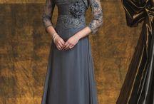 Lace gawn