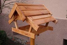 Karmniki dla ptaków / Piękne drewniane karmnik wykonane z materiałów najwyższej jakości. Dodatkowo są zaimpregnowane.