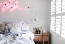 De prin casa / mic-mare.ro isi propune sa adune aici lucruri interesante despre si de prin casa, idei care va pot ajuta in decorarea si utilarea dormitorului sau a altor camere
