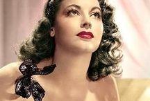Casablanca Style Ladies' Makeup