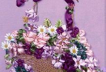 花かごのリボン刺繍