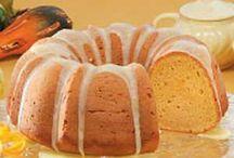 Cakes / by Rose Jordan
