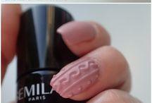 sweterkowy manicure