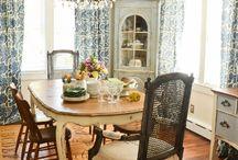Home Blogs I Love / by Aubrey Evans