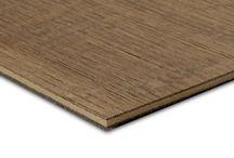Natural Wood by Panespol / Natural Wood® by Panespol son tableros de MDF chapados con auténtica madera de roble envejecido. Las superficies conservan las grietas y juntas naturales de la madera y están disponibles en cuatro colores y dos acabados cada color.