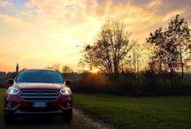 Nuova Ford Kuga / Nuovo design, motorizzazioni ancora più efficienti e una dotazione tecnologica ancora più ricca che include il SYNC 3, la nuova e più avanzata versione del sistema di connettività e comandi vocali.