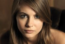 CELEBRITY ● WILLA HOLLAND