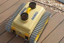 Robot czyszczący baseny NEMH2O / NEMH2O jest przeznaczony dla różnych basenów: małych lub dużych, o gładkich lub chropowatych ścianach, z narożnikami, zagięciami czy schodami. Robot działa skutecznie na obu ścianach: pionowych i poziomych.