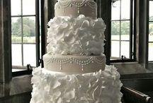 Wanna make wedding cake / by Tiffany Burns-Baker