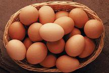 COBALTO O Co / Es un mineral necesario para estimular la estimulación y el buen funcionamiento de las células rojas. También es necesario para que la vitamina B12 desempeñe sus funciones en nuestro organismo. Además, interviene en la fecundidad.  La dosis diaria recomendada en mujeres y hombres es de 0.06 mg al día.