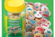 Pebbles / A range of beautiful, sensory pebbles that can be used indoors and out for a range of early years activities