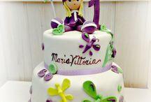 Baby Doll Cake / Una girandolina verde acido e viola tante falene che volano intorno per festeggiare la piccola Maria Vittoria !#babydollcake #tortedecorate #genzanodiroma #castelliromani #cakedesign www.torteamorefantasia.com