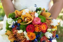 Wedding Planning: Bouquet Ideas / Here's some of our favorite bouquets we've seen over the last 3 years, plus bouquets that have inspired us from across Pinterest. Hopefully this will help you in planning your wedding!
