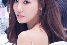 tiffany & taeyeon & seohyun & jessica