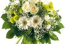 Fleurs blanches / Le blanc : pureté, innocence, mariage.