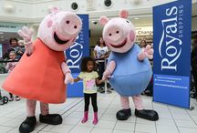 Peppa Pig and George visit The Royals Shopping Centre / Peppa Pig and George took the day off from splashing in muddy puddles and come to visit us in Southend instead.