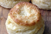 Bread and biscuits / by Yvette Mitjans