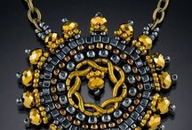 Collares / by Nora Breedlove