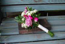Bridesmaid bouquets and accessories / Bridesmaid flowers by Jo Beth floral design