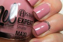 Italian nail polish brands: swatches / Swatches of Italian nail polish Foto di smalti italiani