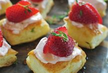 Sweet Tooth / Dessert Recipes to Try! / by Erin Berry