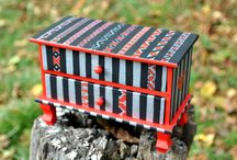 jewellery box / jewellery box with 2 drawers, hand painted with romanian traditional motifs