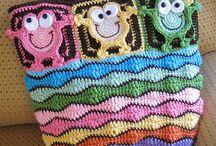 Bolsas / De  Tecido, de croche, diversidades... / by Márcia Regina