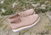 oxford shoes /  Oxford shoes ηταν δερμάτινα και επίσημα παπούτσια και τώρα έχουν εξελιχθεί σε ένα δημοφιλέστερο casual wear . Δοκιμάστε τα/ Try it