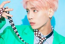 shinee jonghyun / 4 in our eyes but 5 in our hearts. we miss you Jonghyun❤ RIP