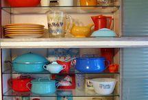 Vintage Dishes/China / by Jocelyn Hamilton-Tomaszewski
