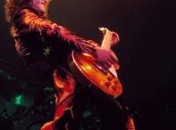 Heroes / by Guitar.com