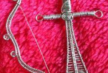 Halsband Svärd