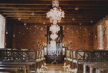 Décoration mariage cérémonie intérieure / Idées de décoration pour un mariage en intérieur