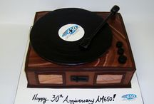 record player cake ideas