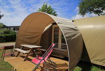 Locations au camping le lac à carnac / Retrouvez les locations originales au camping le lac à carnac: roulotte, tipi, tente comtoise, coco sweet.... sans oublier les mobil homes confortables avec terrasse