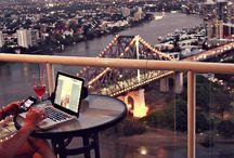 Vie de nomade digitale / Depuis janvier 2015, je suis devenue nomade digitale, afin de pouvoir vivre ma passion du voyage au quotidien, tout en travaillant. Mon bureau c'est mon ordinateur. Ma maison, c'est mon sac à dos. Mon terrain de jeu, c'est le monde entier... Inspirations et conseils pour les nomades digitaux. Par Voyages et Vagabondages.