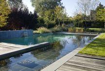 Chill by the pool - Farniente à la piscine