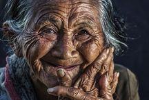 Old people / Oude mensen.